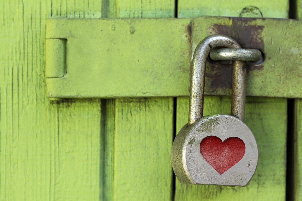 Privacy padlock with heart